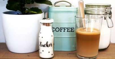 Zuckerstreuer aus Smoothieflaschen selbermachen